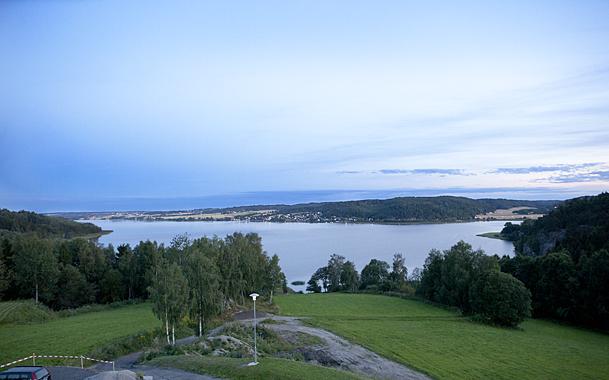 Stensrød på Eidet. Her er panoramautsikten fra selskapslokalet. Foto: Marion Haslien