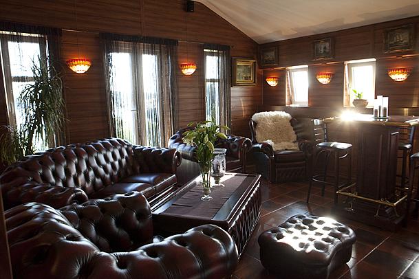 Stensrød på Eidet. Her er puben i selskapslokalet. Foto: Marion Haslien