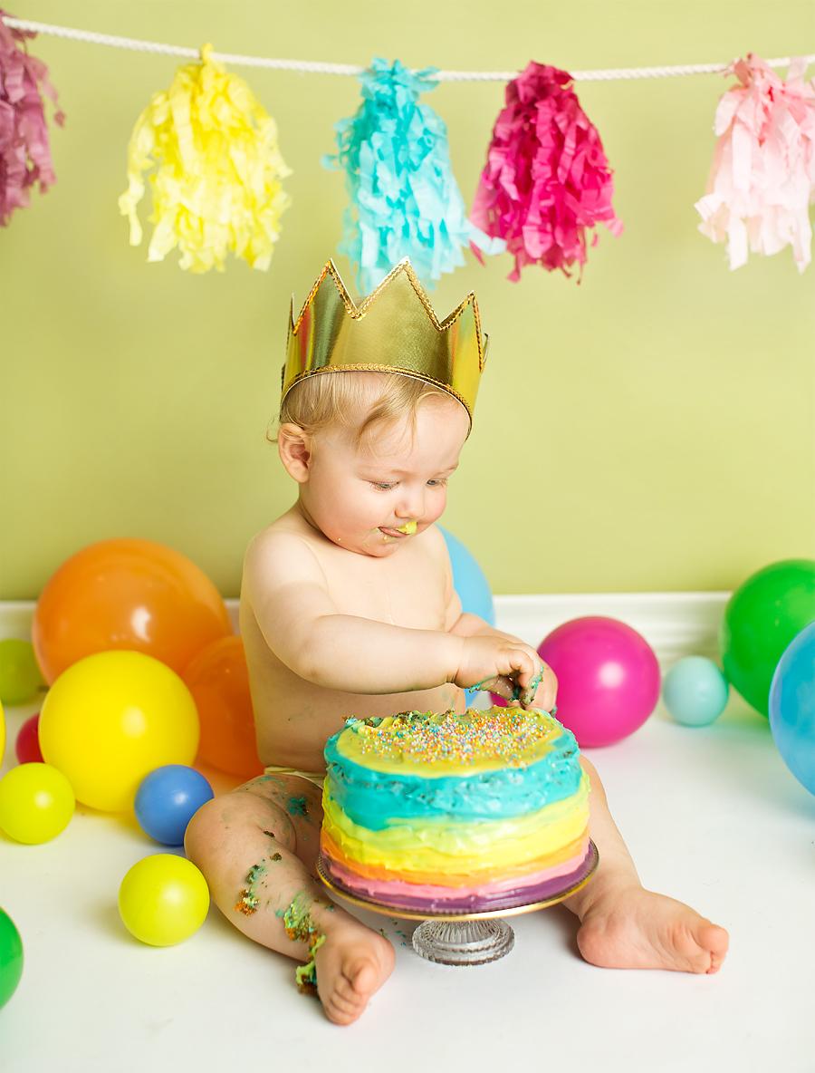 cakesmash-haslien-baby-fotograf-1-år-gutt-babyboy-blogg-gravid-2015-barn-kake-feiring-sarpsborg-cacas-regnbuekake-loan-emanuel_10