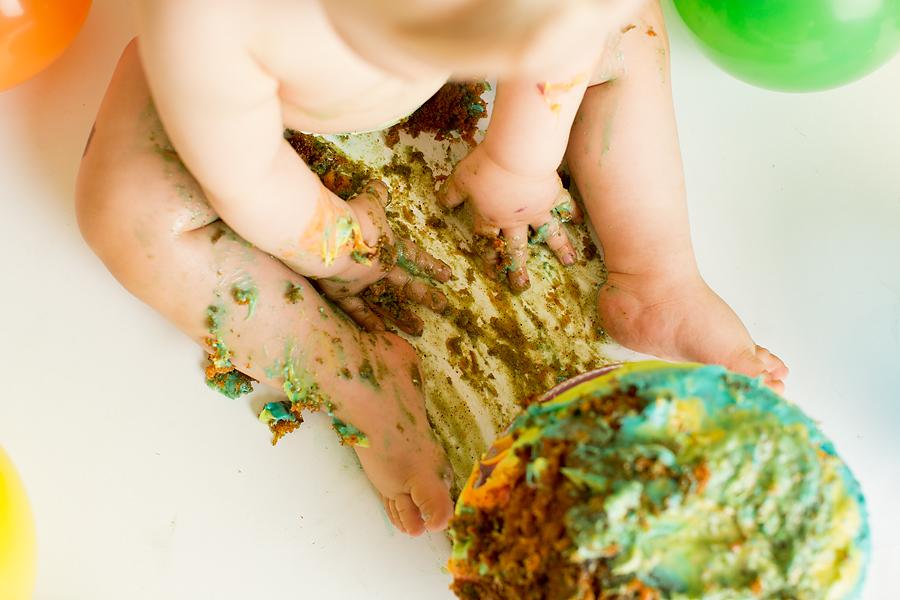 cakesmash-haslien-baby-fotograf-1-år-gutt-babyboy-blogg-gravid-2015-barn-kake-feiring-sarpsborg-cacas-regnbuekake-loan-emanuel_18