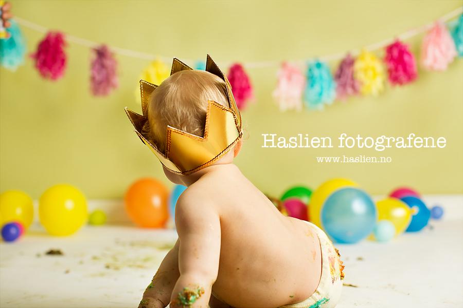 cakesmash-haslien-baby-fotograf-1-år-gutt-babyboy-blogg-gravid-2015-barn-kake-feiring-sarpsborg-cacas-regnbuekake-loan-emanuel_30