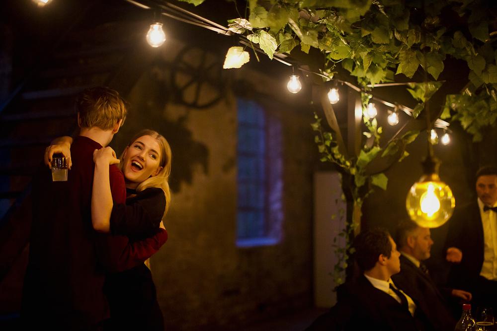 howheasked-haslien-foto-forlovelse-sarpsborg-lokale-bryllup-bohemian-rustic_52