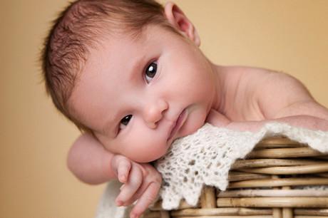 nyfødt baby Halden
