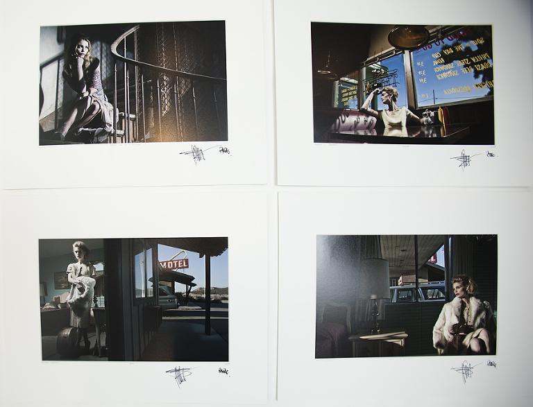"""Foto av fotografier. Her er noen av fotografiene vi har kjøpt. Bildene vil etter hvert få plass i vårt """"nye studio""""."""