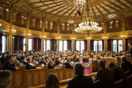 Stortinget samlet før møtestart. Januar 2016.