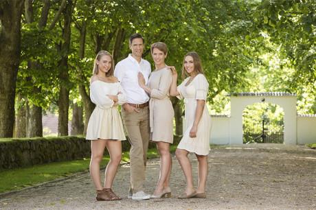 Familiebilde tatt i Hafslundparken i Sarpsborg. Foto: Lovise Myrnes Steinrud