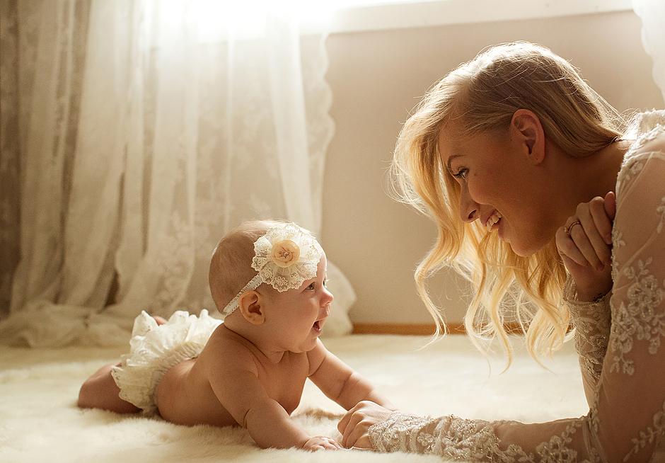 nyfødtfoto, mor barn