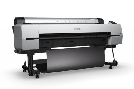 I dag fikk vi vår helt nye fotoprinter Epson SURECOLOR SC-P10000. Den kjører ut fotoprint opp til 110 cm. i bredde.